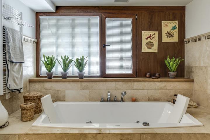 Annonces immobilier vendre en suisse maison 8 5 pi ces for Salle de bain yverdon