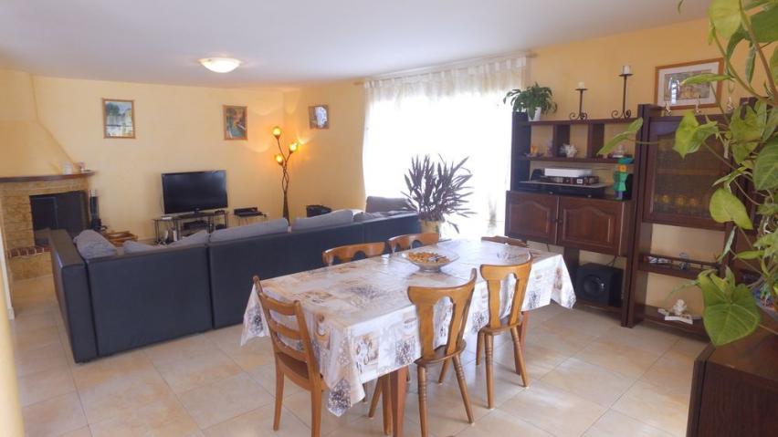 Annonces immobilier vendre en suisse maison 5 5 pi ces for Acheter une maison en suisse