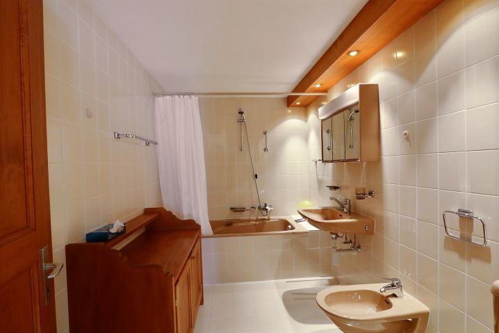 Salle de bain avec en suite