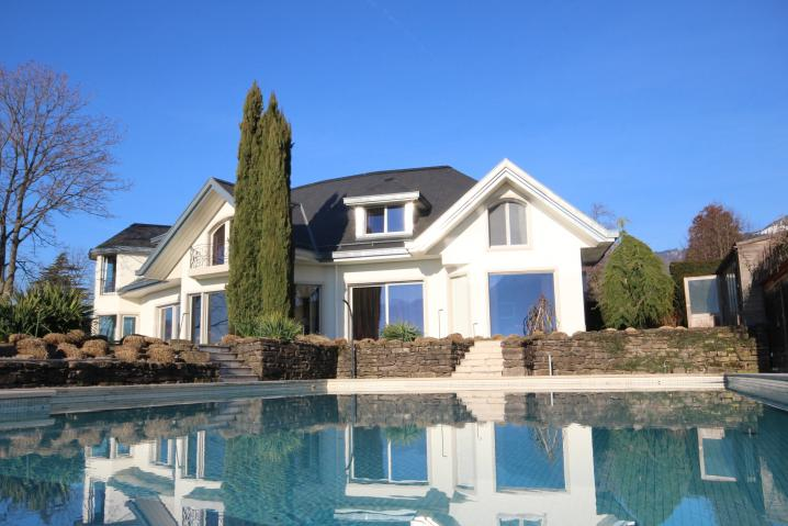 FRONT FRONT WITH POOL