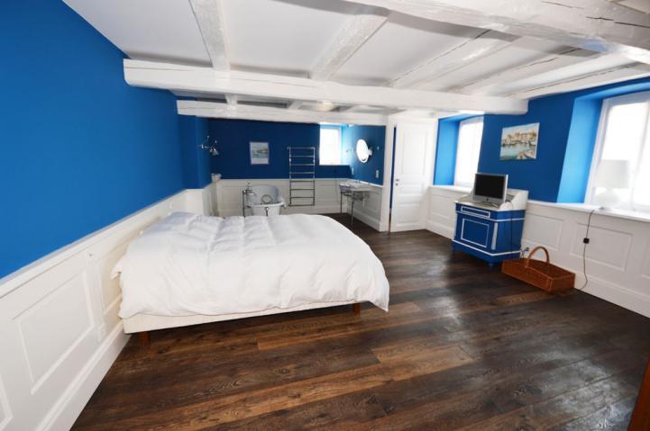 Annonces immobilier vendre en suisse maison 15 pi ces for Location chambre yverdon