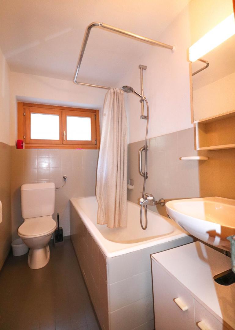 Salle De Bain 4.5 M2 a vendre maison de village 4.5 pièces à dranse (liddes) - la