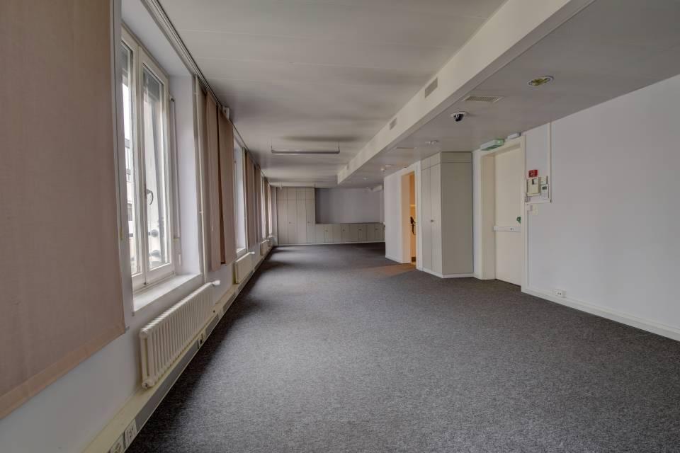 Administratif/Bureau 281 m2 à Genève