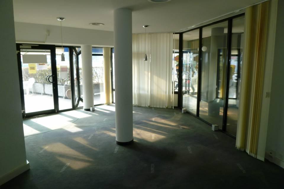 Arcade/Vitrine/Boutique 55 m2 à Monthey