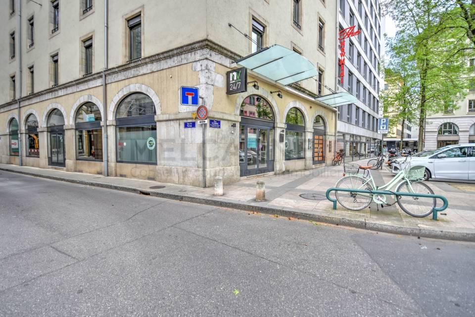 Arcade/Vitrine/Boutique 206 m2 à Genève