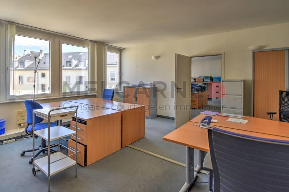 Administratif/Bureau 1'777 m2 à Genève