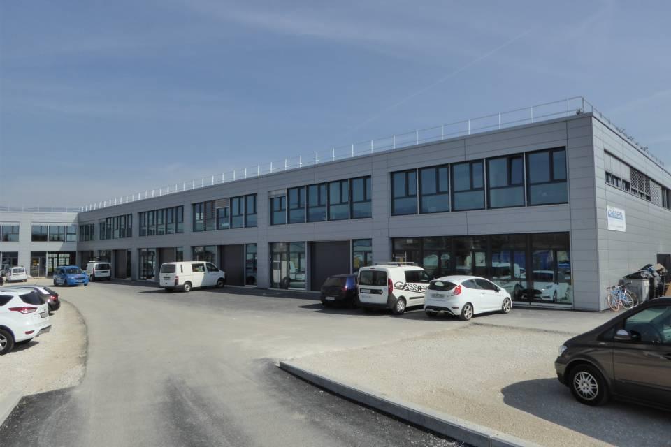 Dépôt 233.9 m2 à Yverdon-les-Bains
