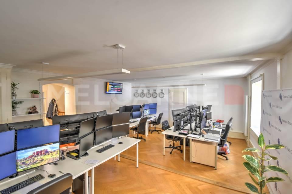 Administratif/Bureau 100 m2 à Genève