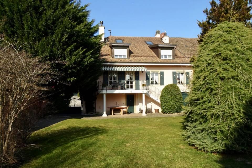 Maison de Village 10 pièces à Etoy