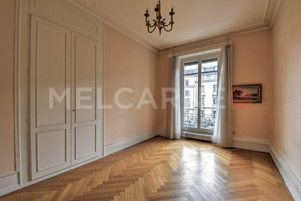 Administratif/Bureau 531 m2 à Genève