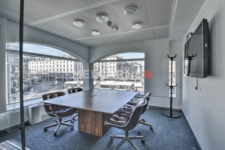 Administratif/Bureau 810 m2 à Genève