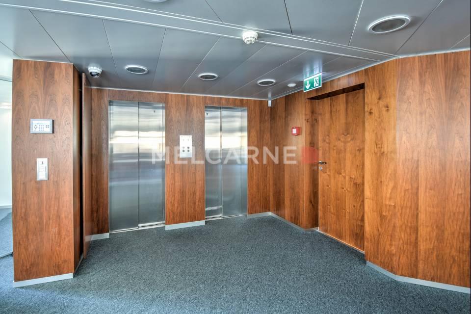 Administratif/Bureau 405 m2 à Genève