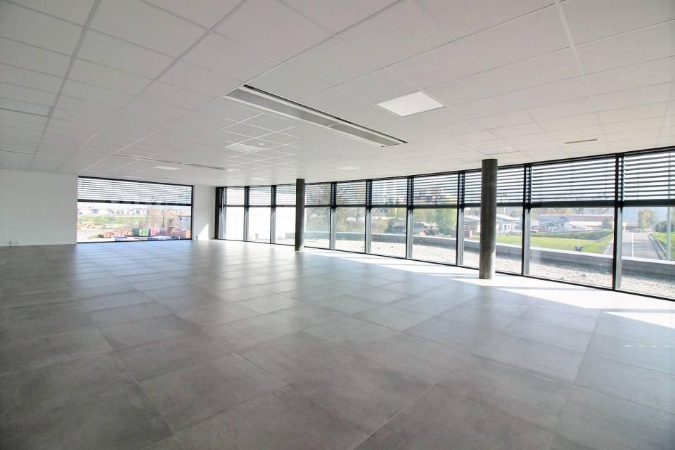 Administratif/Bureau 1 pièce 74.75 m2 à Monthey