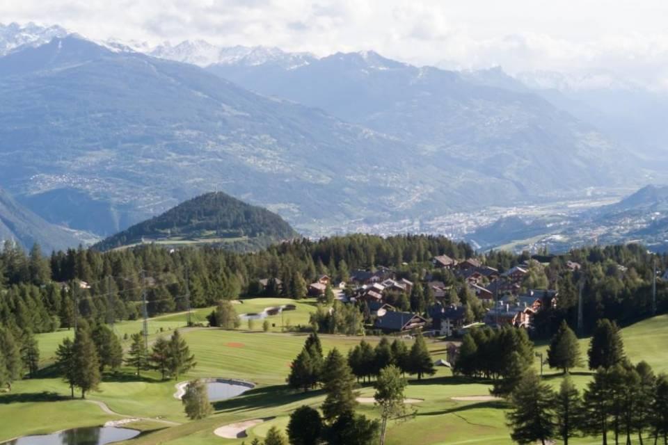 Hôtel 4'000 m2 à Sion