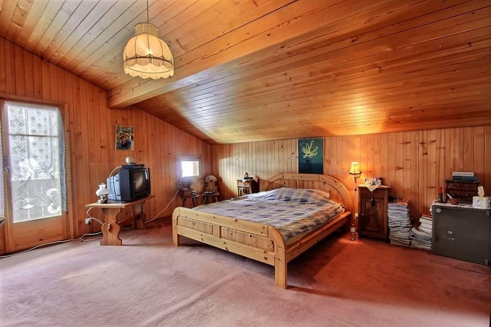 South attic bedroom