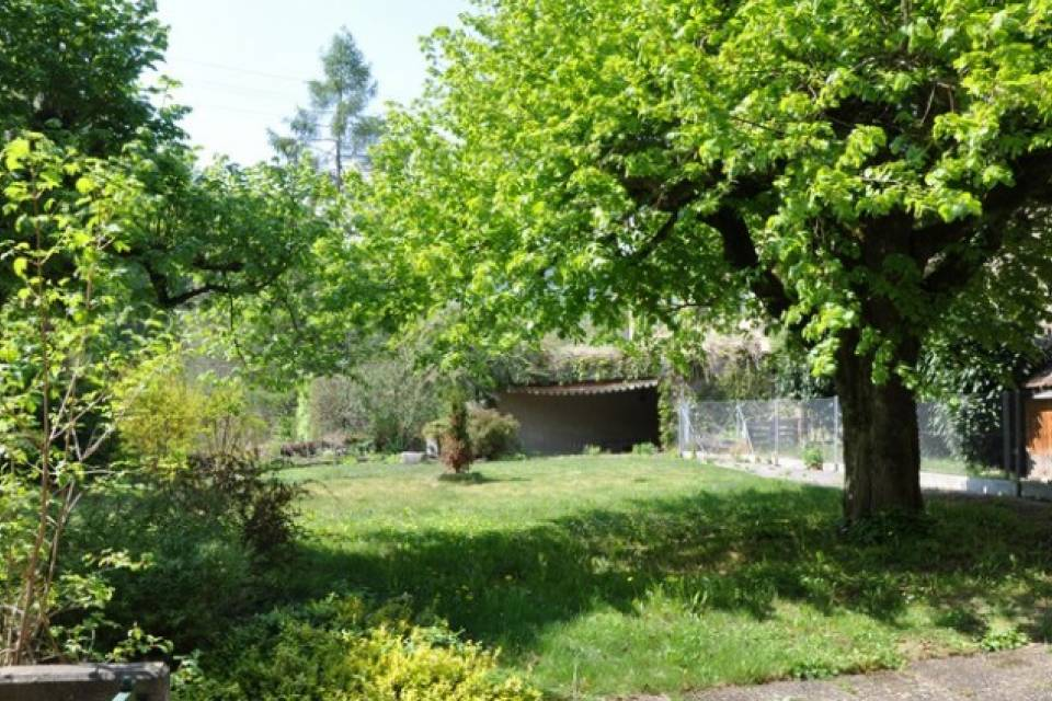 Jardin commun et terrasse