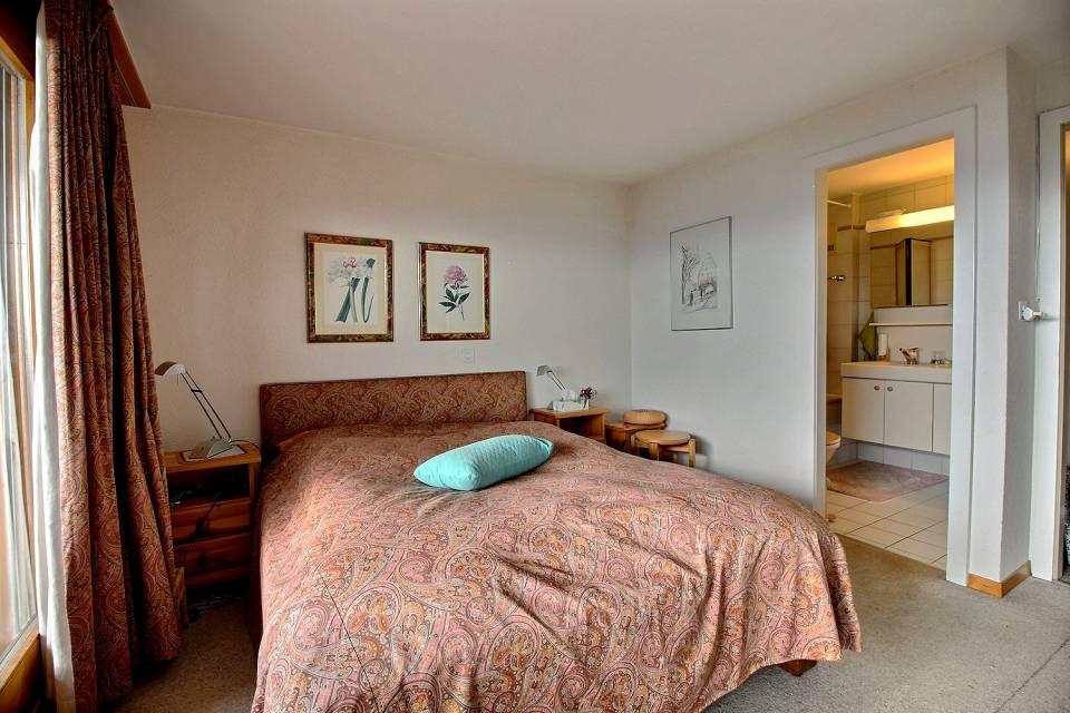 Chambre à couher avec salle de bains