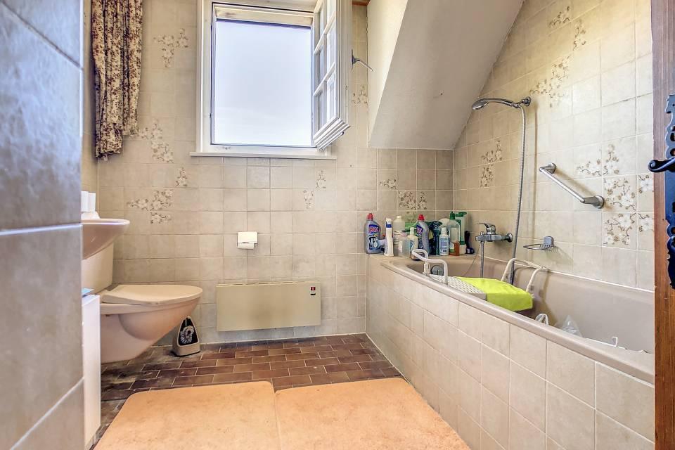 Etage : salle de bains