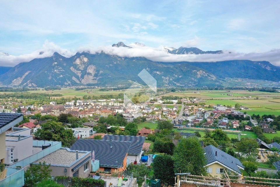 Magnifique villa en terrasse de 4.5 pcs avec vue sur la plaine !