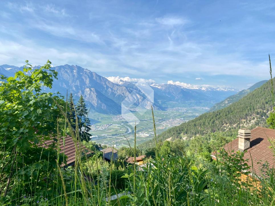 Terrain à bâtir avec vue sur la plaine du Rhône, résidence secondaire autorisée !