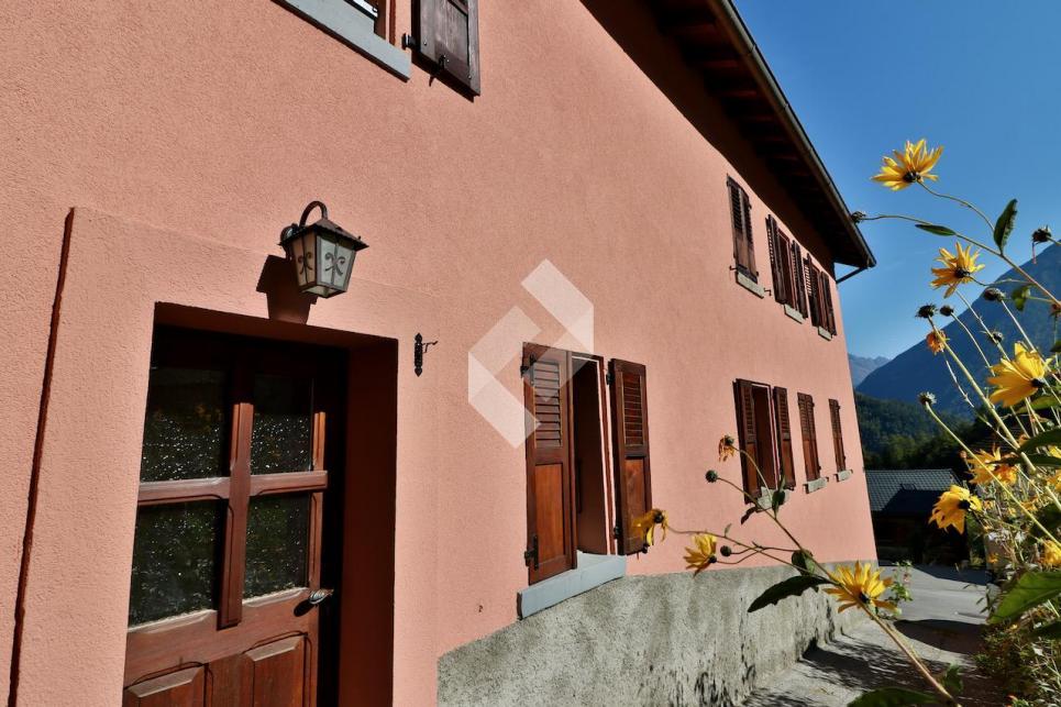 Appartement de 4.5 pces avec terrasse et garage.